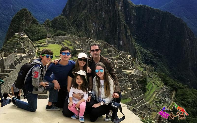 viaje a machu picchu en familia